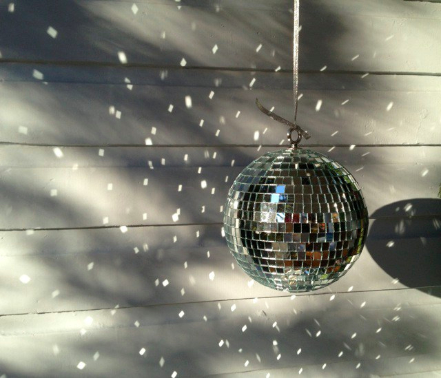 mirror-ball-holiday-decorations-are-pretty-during-the-day2.jpg