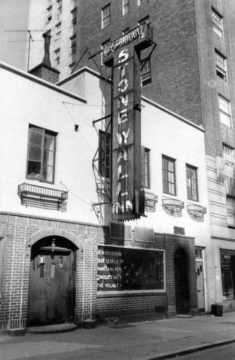 Stonewall_Inn_1969.jpg